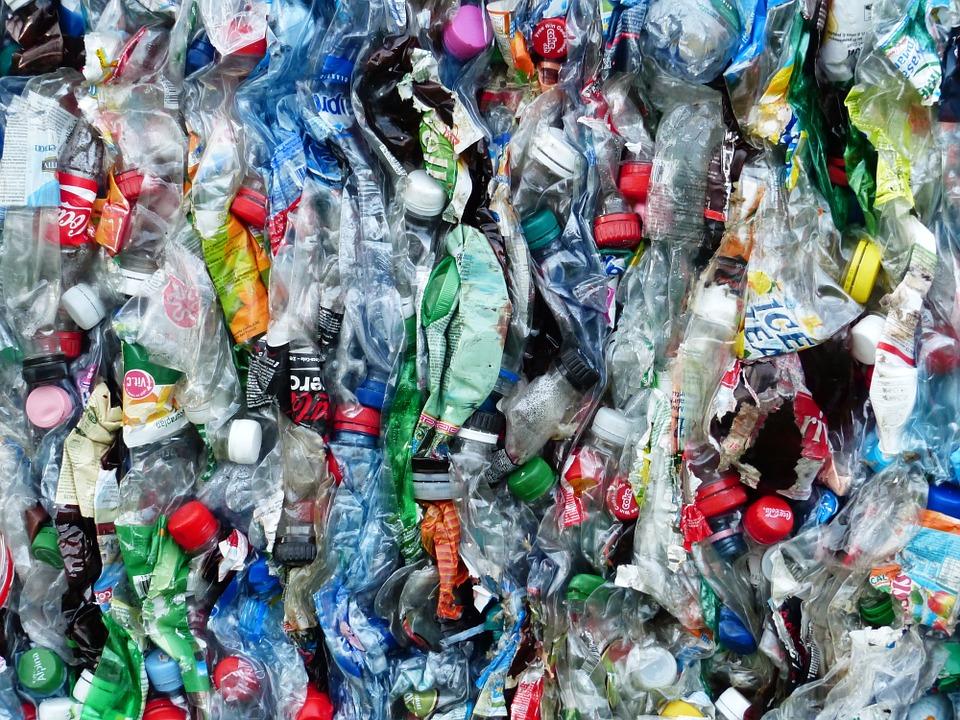 botellas plástico sistema genebre filtrado contaminación