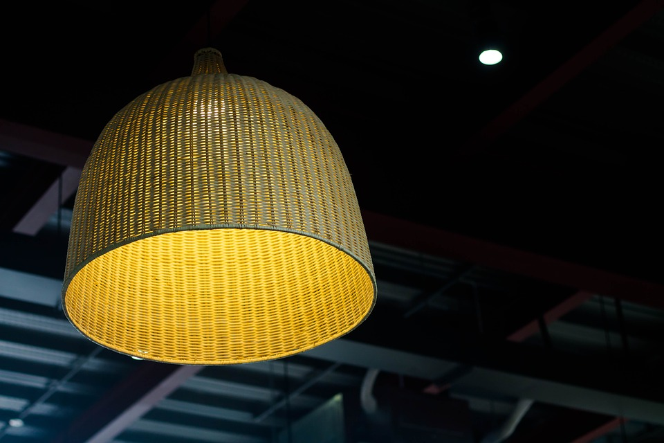Como iluminar con lamparas de techo restaurantes iluminacion