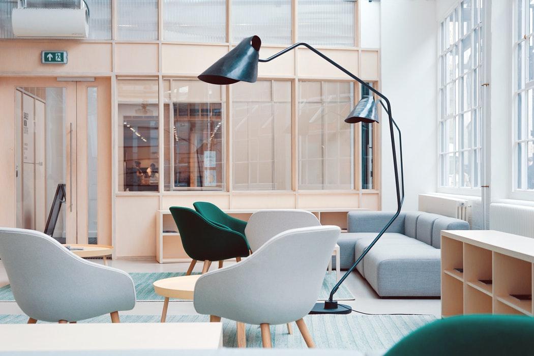 que es iluminación dinámica oficinas colegios