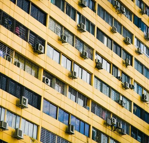 soporte para el aire acondicionado fachada