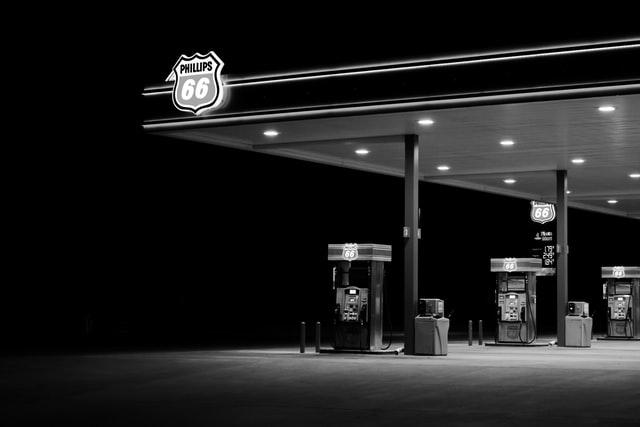 nomrativa recarga electrica en gasolineras